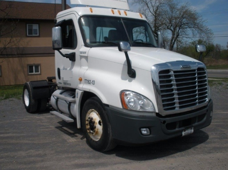 Day Cab Tractor-Heavy Duty Tractors-Freightliner-2010-Cascadia 12542ST-AUBURN-NY-298,351 miles-$34,500