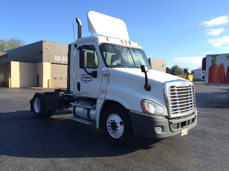 Day Cab Tractor-Heavy Duty Tractors-Freightliner-2010-Cascadia 12542ST-BELCAMP-MD-423,564 miles-$30,000