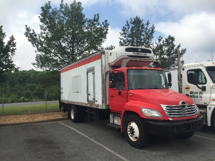 Reefer Truck-Light and Medium Duty Trucks-Hino-2010-338-CHESTER-VA-182,799 miles-$12,500