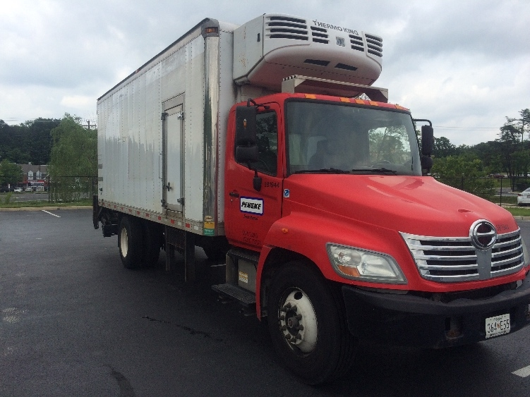 Reefer Truck-Light and Medium Duty Trucks-Hino-2010-338-JESSUP-MD-141,260 miles-$27,500