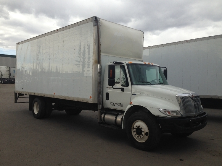 Medium Duty Box Truck-Light and Medium Duty Trucks-International-2011-4300-CALGARY-AB-188,802 km-$37,750