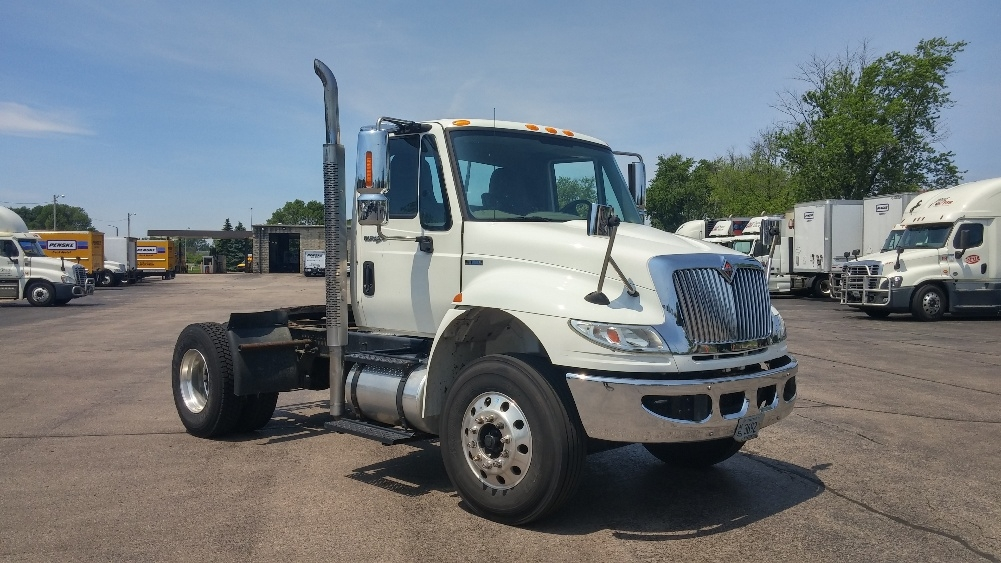 Day Cab Tractor-Heavy Duty Tractors-International-2011-4400-MADISON-WI-237,848 miles-$30,500