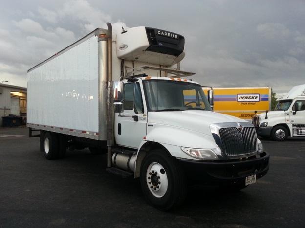 Reefer Truck-Light and Medium Duty Trucks-International-2011-4400-HAMILTON-ON-299,753 km-$29,750