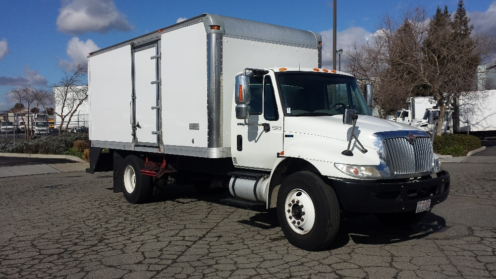 Medium Duty Box Truck-Light and Medium Duty Trucks-International-2011-4300-HAYWARD-CA-132,148 miles-$22,750