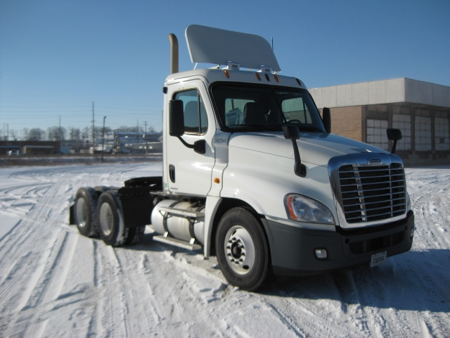 Day Cab Tractor-Heavy Duty Tractors-Freightliner-2011-Cascadia 12564ST-FORT WAYNE-IN-289,012 miles-$29,500