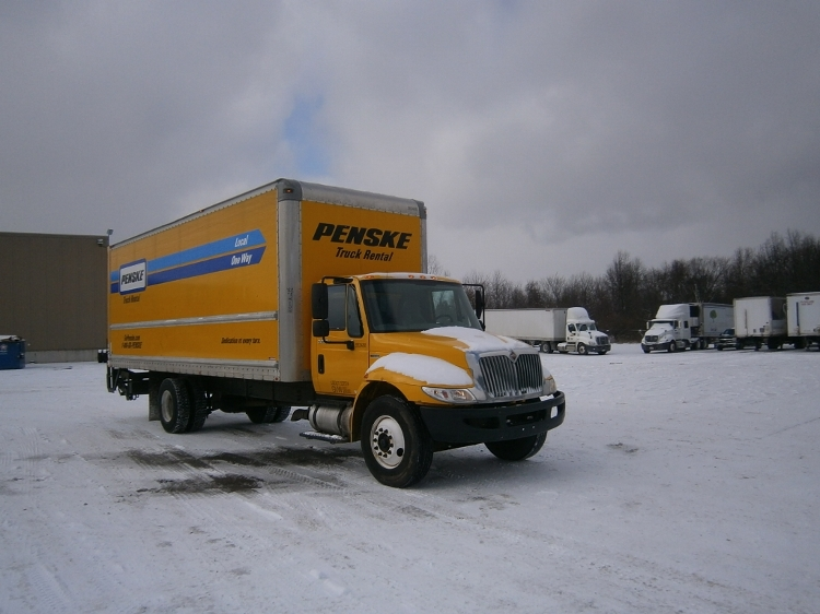 Medium Duty Box Truck-Light and Medium Duty Trucks-International-2011-4300-INDIANAPOLIS-IN-344,611 miles-$21,500