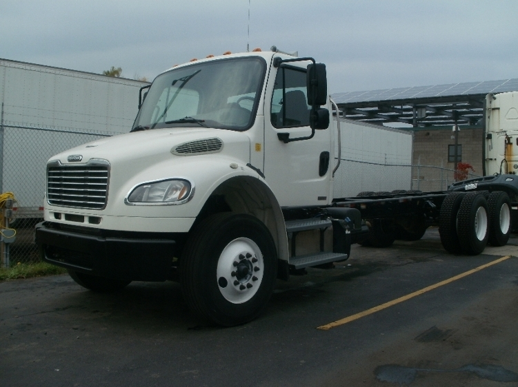 Cab and Chassis Truck-Light and Medium Duty Trucks-Freightliner-2011-M2-HAMILTON-ON-393,030 km-$39,750