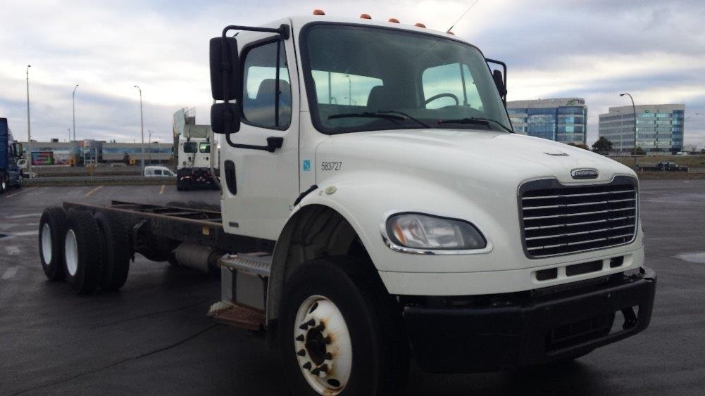 Cab and Chassis Truck-Light and Medium Duty Trucks-Freightliner-2011-M2-SAINT LAURENT-PQ-513,916 km-$29,250