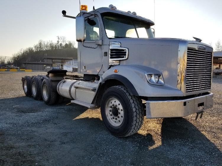 Day Cab Tractor-Heavy Duty Tractors-Freightliner-2012-CORONADO-ABBOTSFORD-BC-727,840 km-$58,500