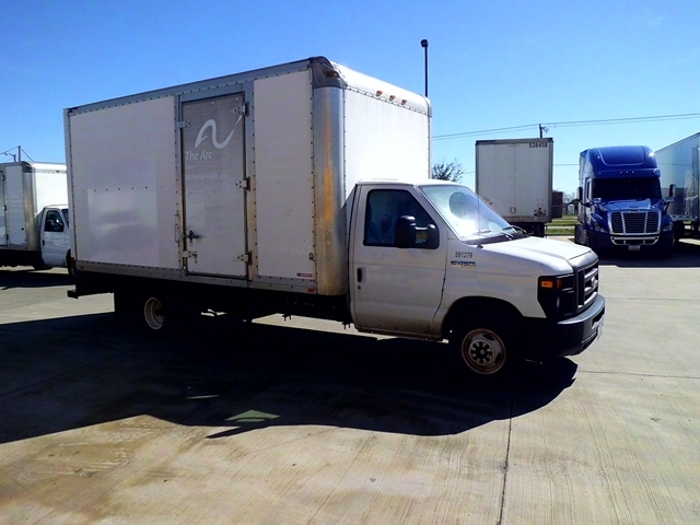Light Duty Box Truck-Light and Medium Duty Trucks-Ford-2011-E450-ARLINGTON-TX-122,787 miles-$14,250