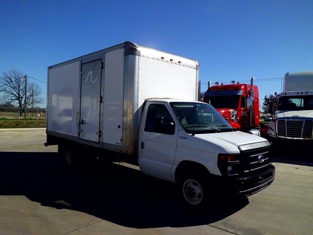 Light Duty Box Truck-Light and Medium Duty Trucks-Ford-2011-E450-ARLINGTON-TX-122,223 miles-$12,750