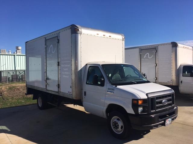 Light Duty Box Truck-Light and Medium Duty Trucks-Ford-2011-E450-ARLINGTON-TX-120,271 miles-$15,500