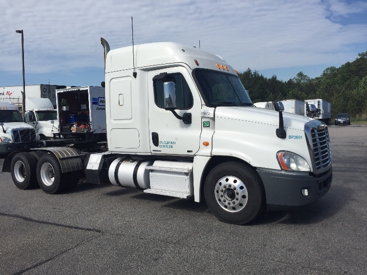 Sleeper Tractor-Heavy Duty Tractors-Freightliner-2012-Cascadia 12564ST-CHESTER-VA-541,450 miles-$33,750