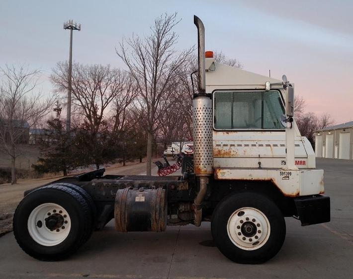Yard Truck-Heavy Duty Tractors-Ottawa-2011-YT30-NORTH LIBERTY-IA-114,215 miles-$48,250