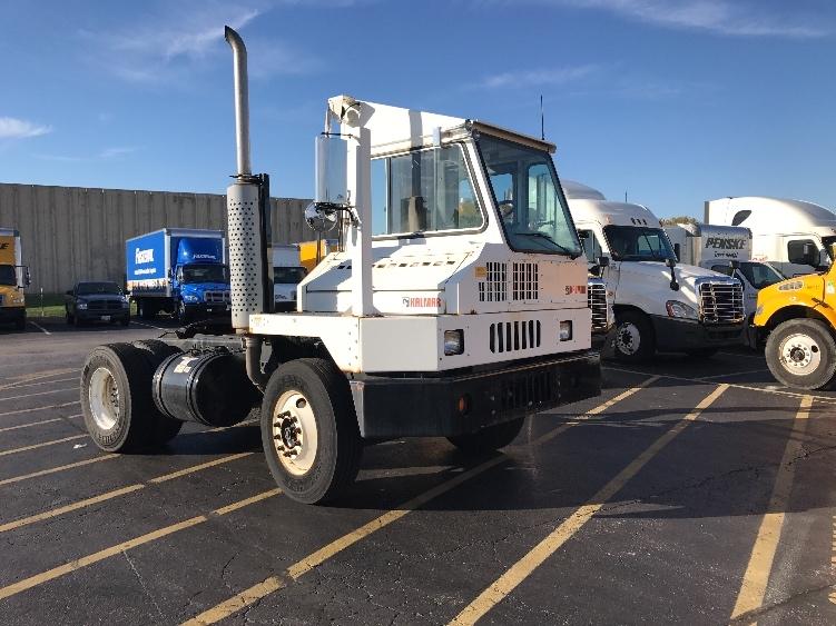 Yard Truck-Heavy Duty Tractors-Ottawa-2011-YT30-EARTH CITY-MO-8,471 miles-$59,750