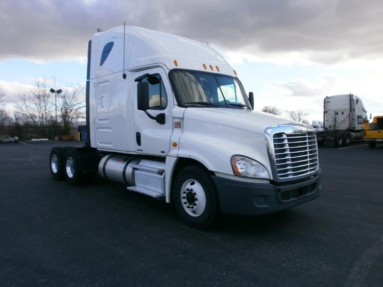 Sleeper Tractor-Heavy Duty Tractors-Freightliner-2012-Cascadia 12564ST-BURLINGTON-NJ-459,376 miles-$40,000