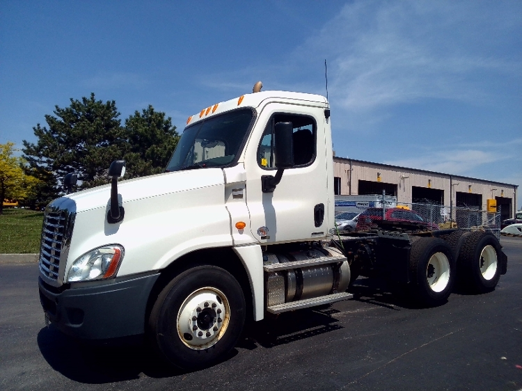 Day Cab Tractor-Heavy Duty Tractors-Freightliner-2012-Cascadia 12564ST-BURLINGTON-ON-422,086 km-$57,500