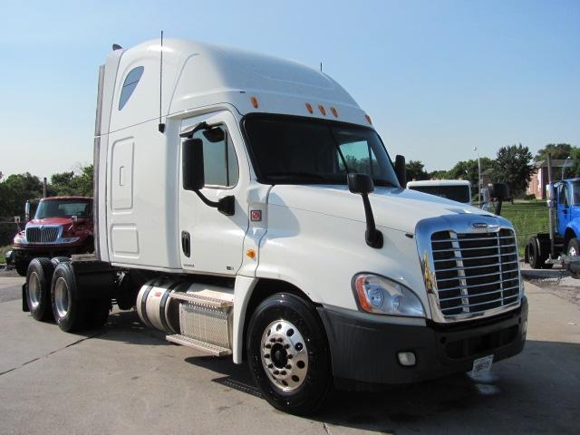 Sleeper Tractor-Heavy Duty Tractors-Freightliner-2012-Cascadia 12564ST-SALT LAKE CITY-UT-648,125 miles-$21,000