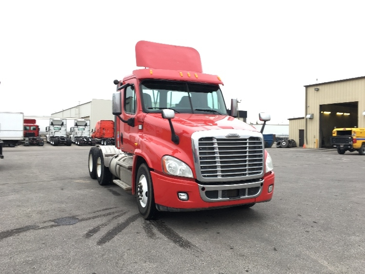 Day Cab Tractor-Heavy Duty Tractors-Freightliner-2012-Cascadia 12564ST-CALGARY-AB-613,145 km-$53,000