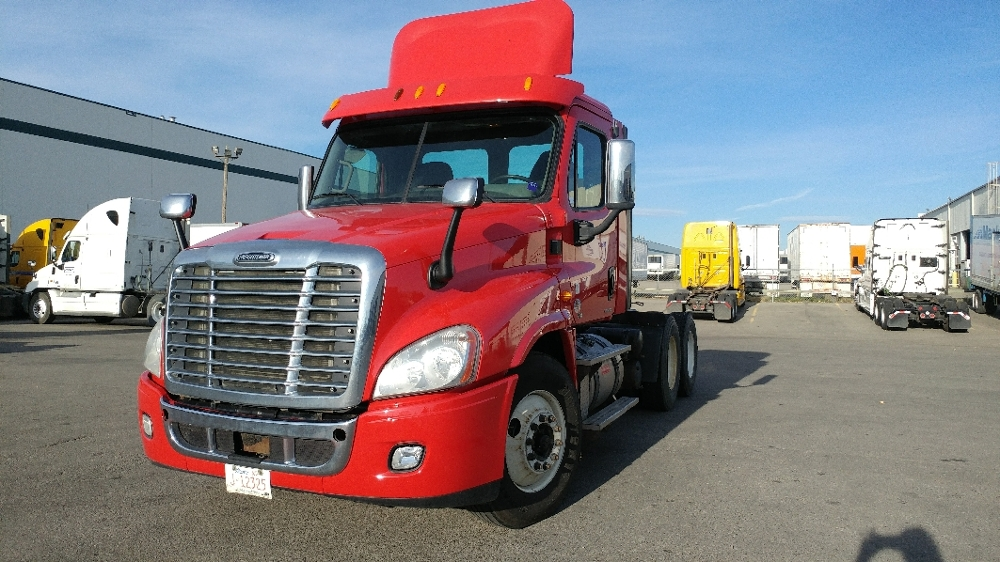 Day Cab Tractor-Heavy Duty Tractors-Freightliner-2012-Cascadia 12564ST-CALGARY-AB-242,732 km-$60,000