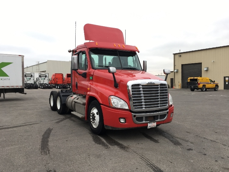 Day Cab Tractor-Heavy Duty Tractors-Freightliner-2012-Cascadia 12564ST-CALGARY-AB-424,404 km-$56,500