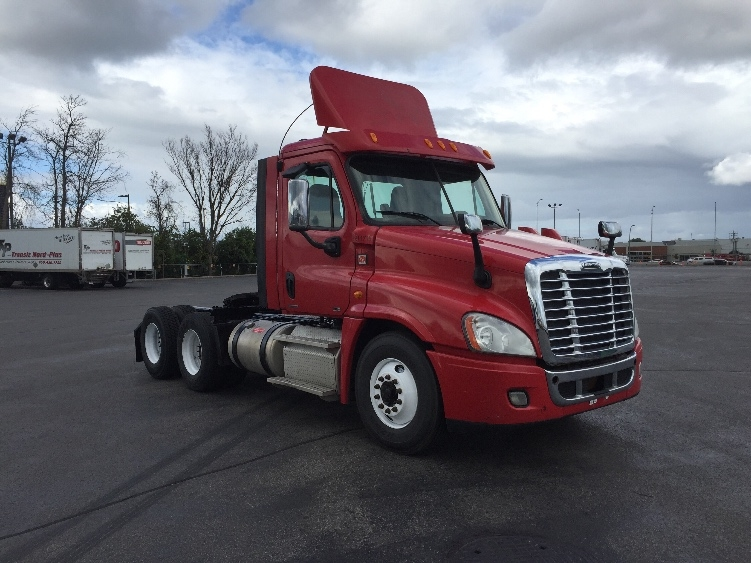 Day Cab Tractor-Heavy Duty Tractors-Freightliner-2012-Cascadia 12564ST-SAINT LAURENT-PQ-503,164 km-$38,500