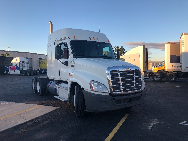 Sleeper Tractor-Heavy Duty Tractors-Freightliner-2012-Cascadia 12564ST-BOISE-ID-575,355 miles-$39,000