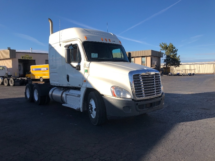 Sleeper Tractor-Heavy Duty Tractors-Freightliner-2012-Cascadia 12564ST-BOISE-ID-572,354 miles-$39,000
