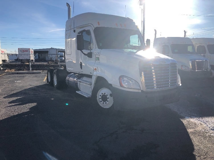 Sleeper Tractor-Heavy Duty Tractors-Freightliner-2012-Cascadia 12564ST-BOISE-ID-625,295 miles-$36,500