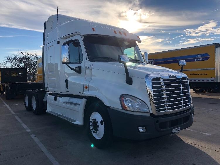 Sleeper Tractor-Heavy Duty Tractors-Freightliner-2012-Cascadia 12564ST-ARLINGTON-TX-491,901 miles-$40,000