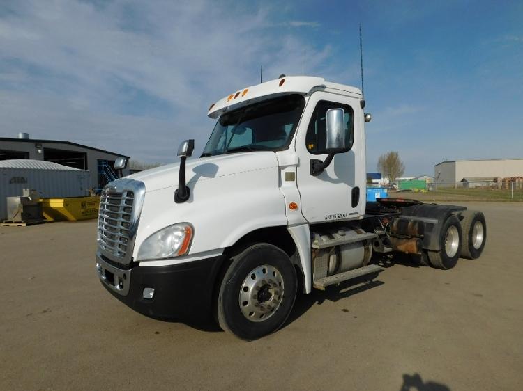 Day Cab Tractor-Heavy Duty Tractors-Freightliner-2012-Cascadia 12564ST-SASKATOON-SK-817,833 km-$45,000
