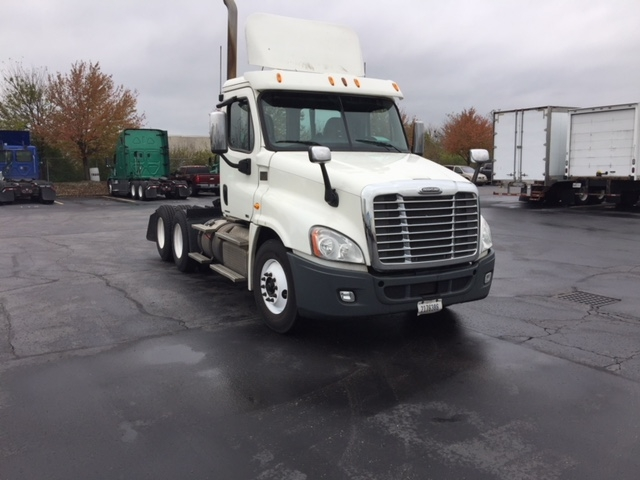 Day Cab Tractor-Heavy Duty Tractors-Freightliner-2012-Cascadia 12564ST-NORTH LAS VEGAS-NV-647,499 miles-$28,000