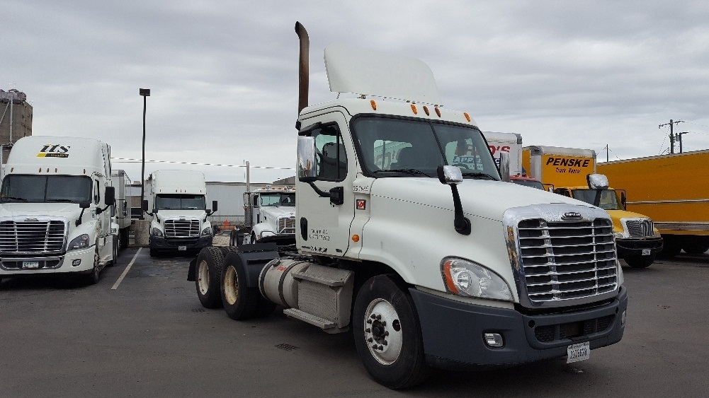 Day Cab Tractor-Heavy Duty Tractors-Freightliner-2012-Cascadia 12564ST-SPOKANE VALLEY-WA-408,356 miles-$38,000