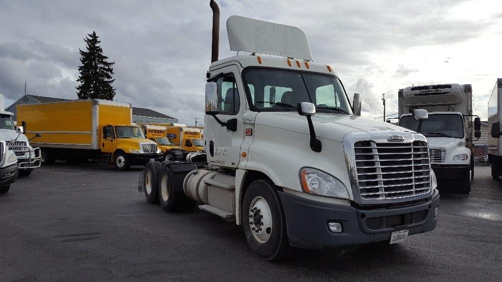 Day Cab Tractor-Heavy Duty Tractors-Freightliner-2012-Cascadia 12564ST-SPOKANE VALLEY-WA-492,874 miles-$33,000