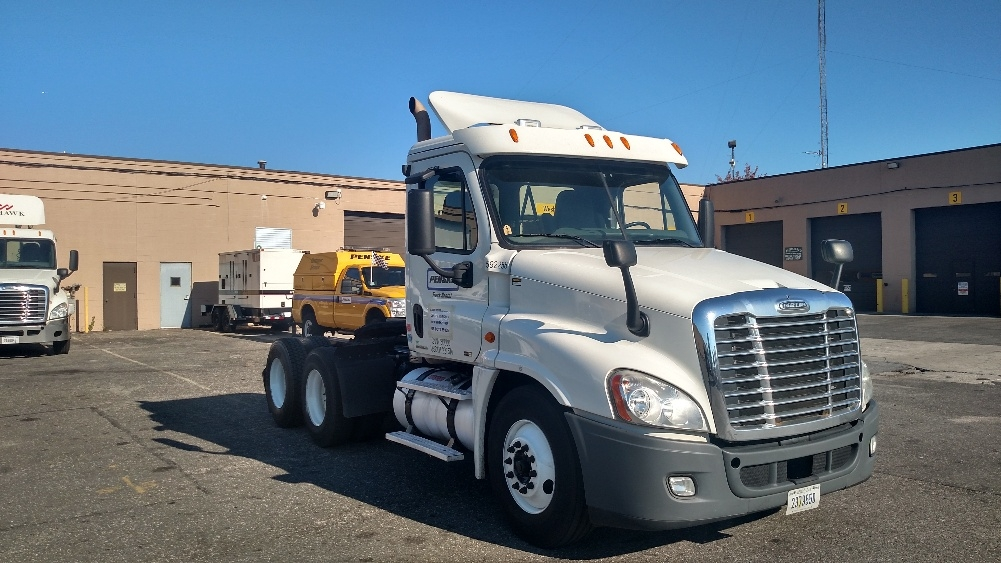 Day Cab Tractor-Heavy Duty Tractors-Freightliner-2011-Cascadia 12564ST-WEST BABYLON-NY-234,632 miles-$41,500