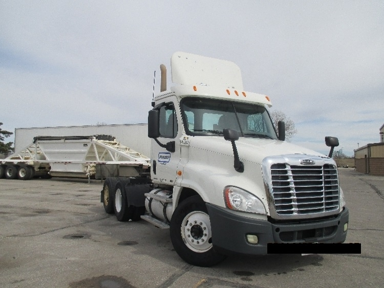 Day Cab Tractor-Heavy Duty Tractors-Freightliner-2011-Cascadia 12564ST-LINCOLN-NE-261,768 miles-$43,750