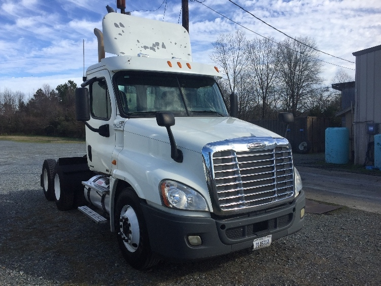 Day Cab Tractor-Heavy Duty Tractors-Freightliner-2011-Cascadia 12564ST-CHARLOTTE-NC-368,090 miles-$11,500