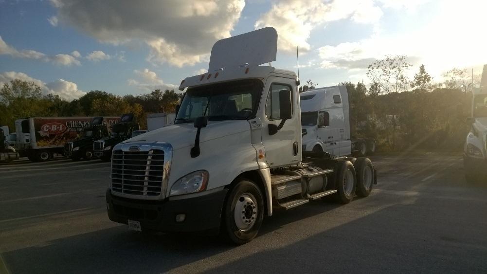 Day Cab Tractor-Heavy Duty Tractors-Freightliner-2011-Cascadia 12564ST-GARDEN CITY-GA-271,678 miles-$43,500