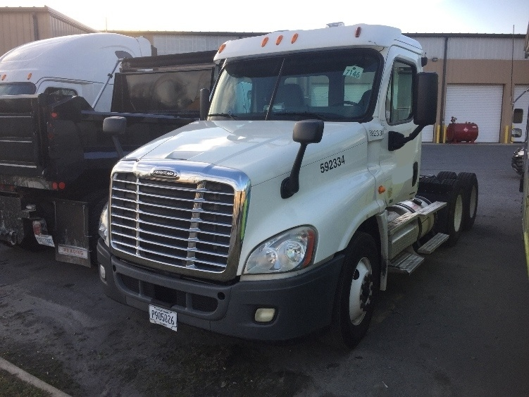 Day Cab Tractor-Heavy Duty Tractors-Freightliner-2011-Cascadia 12564ST-CHARLOTTE-NC-293,423 miles-$8,500