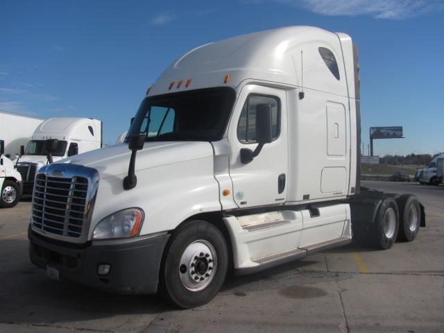 Sleeper Tractor-Heavy Duty Tractors-Freightliner-2011-Cascadia 12564ST-OMAHA-NE-663,351 miles-$33,250
