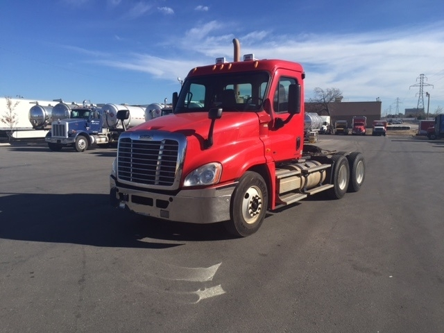 Day Cab Tractor-Heavy Duty Tractors-Freightliner-2011-Cascadia 12564ST-OKLAHOMA CITY-OK-599,070 miles-$32,250