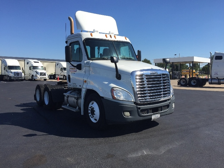 Day Cab Tractor-Heavy Duty Tractors-Freightliner-2011-Cascadia 12564ST-RICHLAND-MS-360,767 miles-$31,750