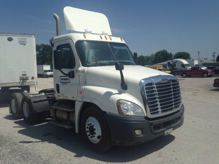 Day Cab Tractor-Heavy Duty Tractors-Freightliner-2011-Cascadia 12564ST-LEBANON-MO-406,142 miles-$39,500