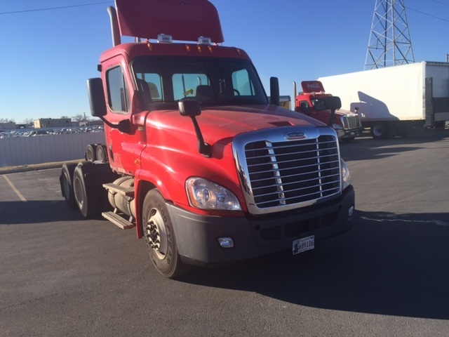 Day Cab Tractor-Heavy Duty Tractors-Freightliner-2011-Cascadia 12564ST-OKLAHOMA CITY-OK-539,236 miles-$34,250