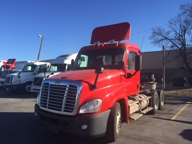 Day Cab Tractor-Heavy Duty Tractors-Freightliner-2011-Cascadia 12564ST-OKLAHOMA CITY-OK-523,312 miles-$35,000