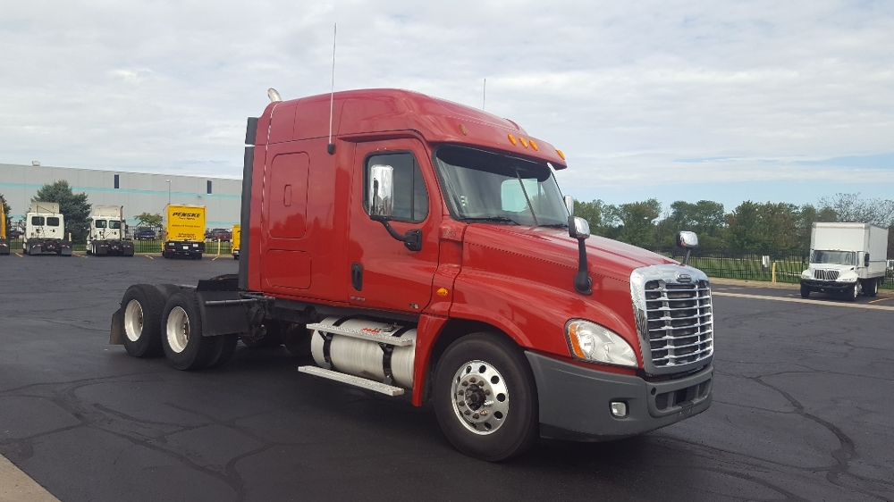 Sleeper Tractor-Heavy Duty Tractors-Freightliner-2011-Cascadia 12564ST-SOUTH BEND-IN-590,723 miles-$34,500