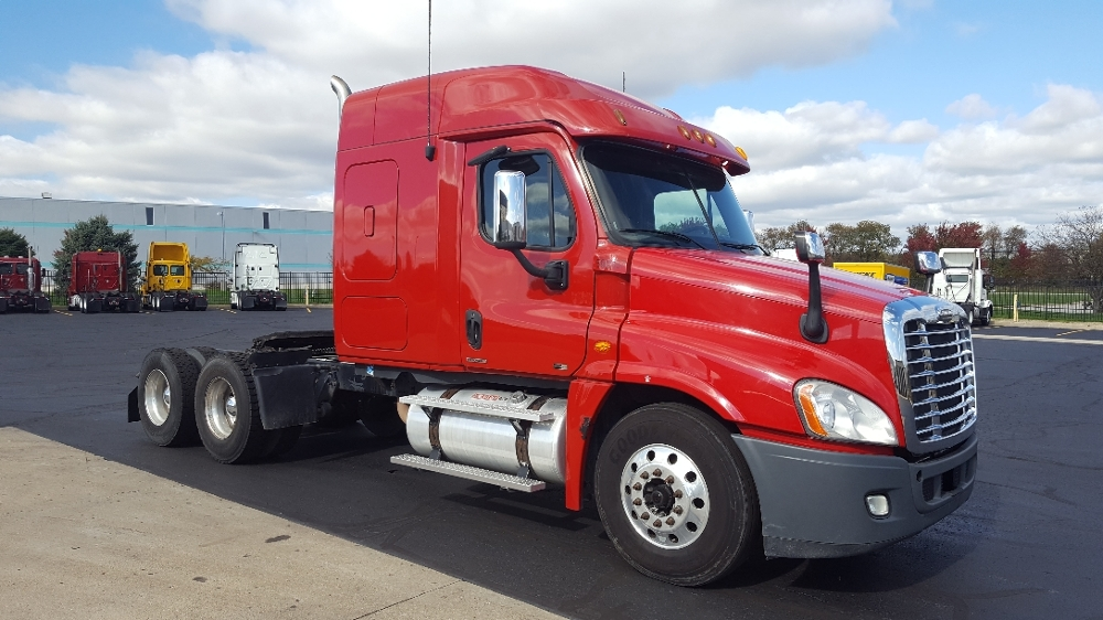 Sleeper Tractor-Heavy Duty Tractors-Freightliner-2011-Cascadia 12564ST-SOUTH BEND-IN-522,220 miles-$34,000
