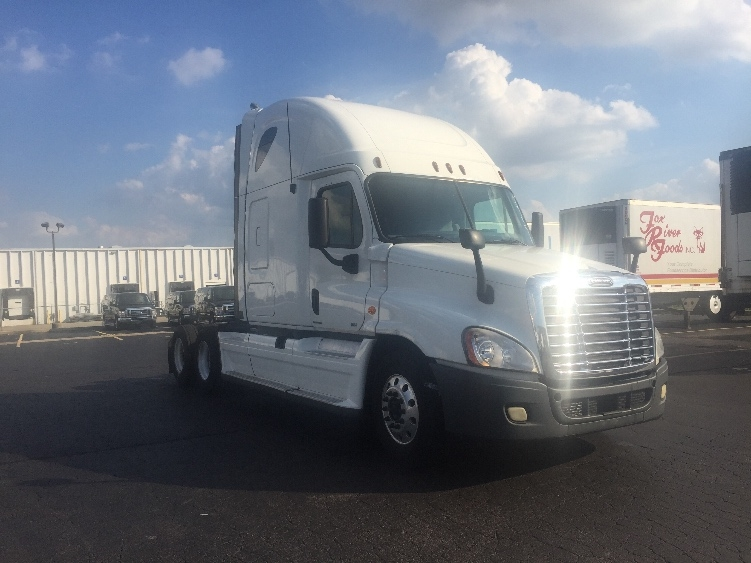 Sleeper Tractor-Heavy Duty Tractors-Freightliner-2011-Cascadia 12564ST-EARTH CITY-MO-709,839 miles-$32,000