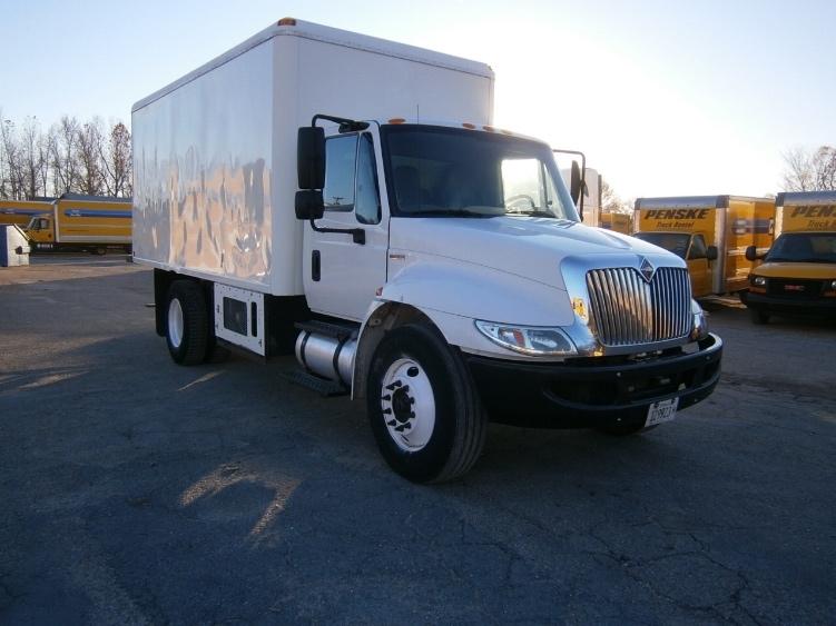 Medium Duty Box Truck-Light and Medium Duty Trucks-International-2011-4300-EARTH CITY-MO-219,725 miles-$19,750