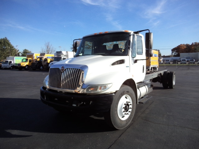 Cab and Chassis Truck-Light and Medium Duty Trucks-International-2011-4300-FAIRLESS HILLS-PA-181,678 miles-$21,250